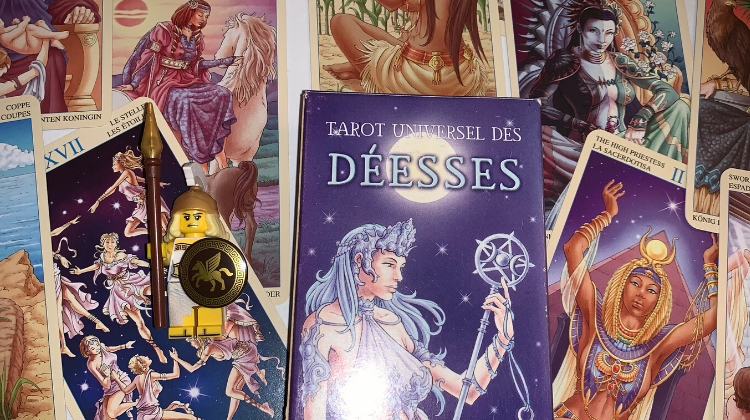 👯‍♀️❤️ UNIVERSAL GODDESS TAROT ❤️👯‍♀️  Interview your deck 🎤